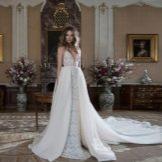 Свадебное платье с накладной юбкой от Berta Bridal