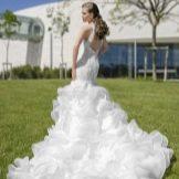 Пышное свадебное платье русалка со шлейфом
