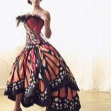 Платье-бабочка от Лили Йонг