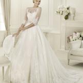 Свадебное платье от  Pronovias кружевное