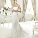 Свадебное платье бюстье от  Pronovias с драпировкой