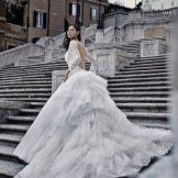 Свадебное платье от alessandro angelozzi со шлейфом