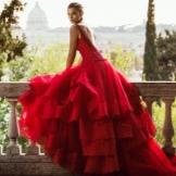 Свадебное платье от alessandro angelozzi кружевное красное