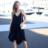 Черное повседневное трапецевилное платье-сарафан