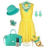 Зеленые аксессуары для желтого расклешенного платья