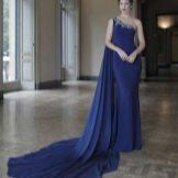 Платье со шлейфом от Тарик Эдиз