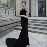 Платье со шлейфом весенне черное