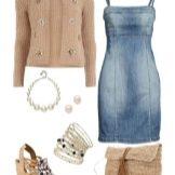 Бежевые аксессуары к  джинсовому платью