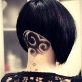 Выбритый затылок у девушек с длинными волосами