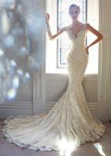 Свадебное платье русалка с V-образным вырезом