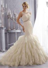 Свадебное платье русалка с вертикальными оборками шлейфа