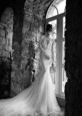 Юбка из фатина в кружевном свадебном платье