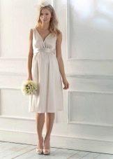 Прямое свадебное платье для беременных невест