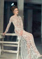 Свадебное платье откровенное из кружевной ткани