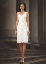 Свадебное платье прямое средней длины