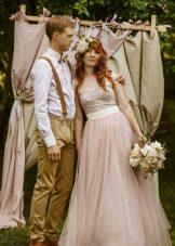 Пастельное свадебное платье в стиле рустик