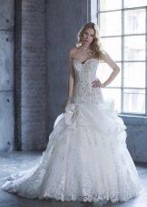 Свадебное платье со шлейфом от бедра