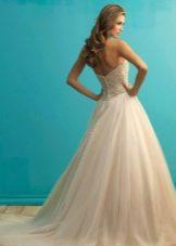 Свадебное платье со шлейфом розовое