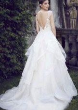 Свадебное платье со шлейфом от подола