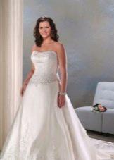 Свадебное платье с корсетом для полных