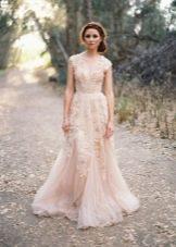 Свадебное платье от Reem Acra с кружевом