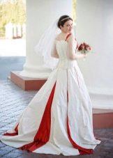 Свадебное платье с красным бисером