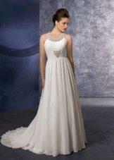 Свадебное платье ампир с бретелями вокруг шеи.