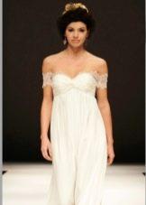 Свадебное платье ампир с приспущенными плечами
