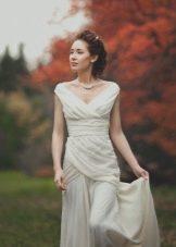 Свадебное платье в стиле ампир с драпировкой