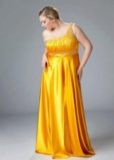 Желтое вечернее платье ампир для полных