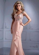 Бежевое вечернее платье в греческом стиле