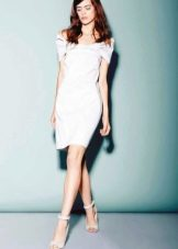 Вечернее короткое платье с  рукавами