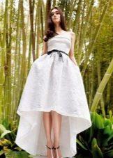 Белое вечернее платье короткое спереди, длинное сзади