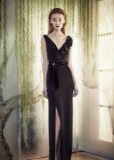 Черное вечернее платье с разрезом от Дженни Пэкхем
