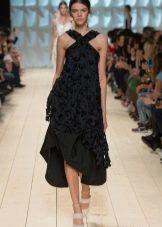 Вечернее платье от Нины Ричи черное
