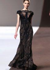 Вечернее черное платье с кружевной вставкой