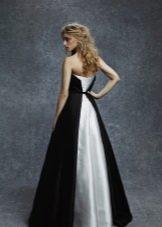 Вечернее платье черное с белым шлейфом