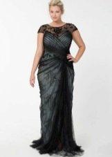 Вечернее платье для полных черное с драпировкой