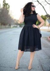Вечернее платье футляр для полных черное