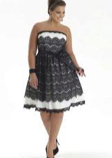 Бело-черное вечернее платье для полных кружевное