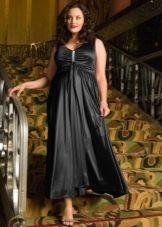 Вечернее платье из черного сатина для полных