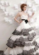Белое платье свадебное с черным кружевом