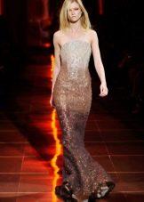 Бежевое вечернее платье от Армани