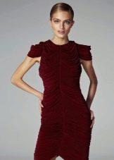 Вечернее платье короткое с рукавом крылышко