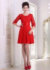 Красное платье вечернее с кружевным верхом