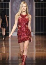 Короткое красное вечернее платье