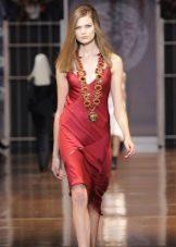 Красное платье в бельевом стиле короткое