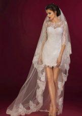 Закрытое свадебное платье мини из кружева