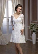 Свадебное платье кружевное короткое с длинным рукавом