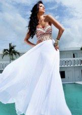 Белое вечернее платье легкое со стразами